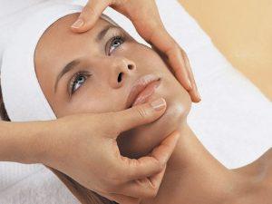 Чистка лица — обязательная косметологическая процедура
